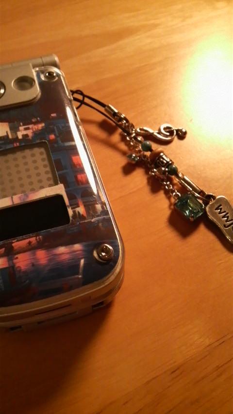二つ折り携帯電話